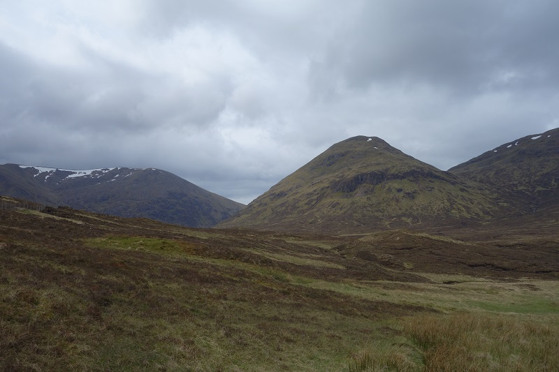 Heading across to Lochan Fhudair and Fedden Ruin