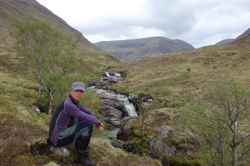 Taking a break along the Abhainn Chai-aig