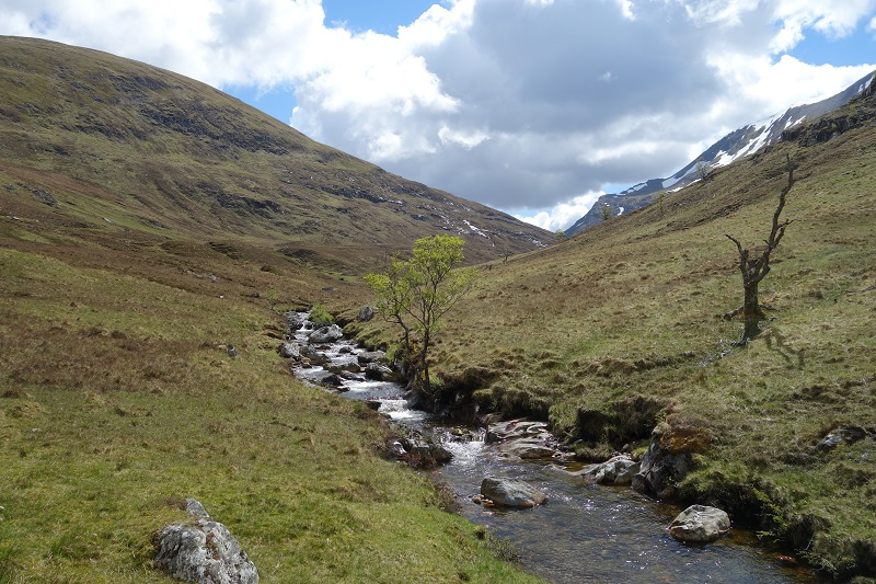 Heading up the Lairig