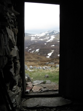 Looking from the shelter at Geal Charn back towards Carn Mairg