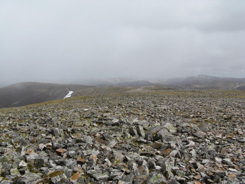 Along the summit plateau on An Socach