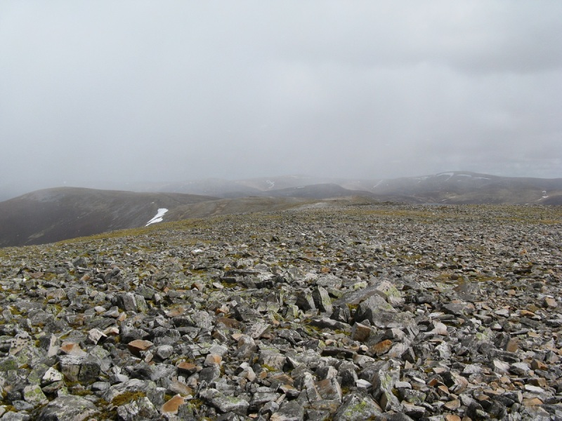 Along the summit plateau on An Socach